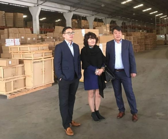 英皇卫浴与蒙古乌兰巴托客人建立代理商关系,实现携手共赢煤矿设备